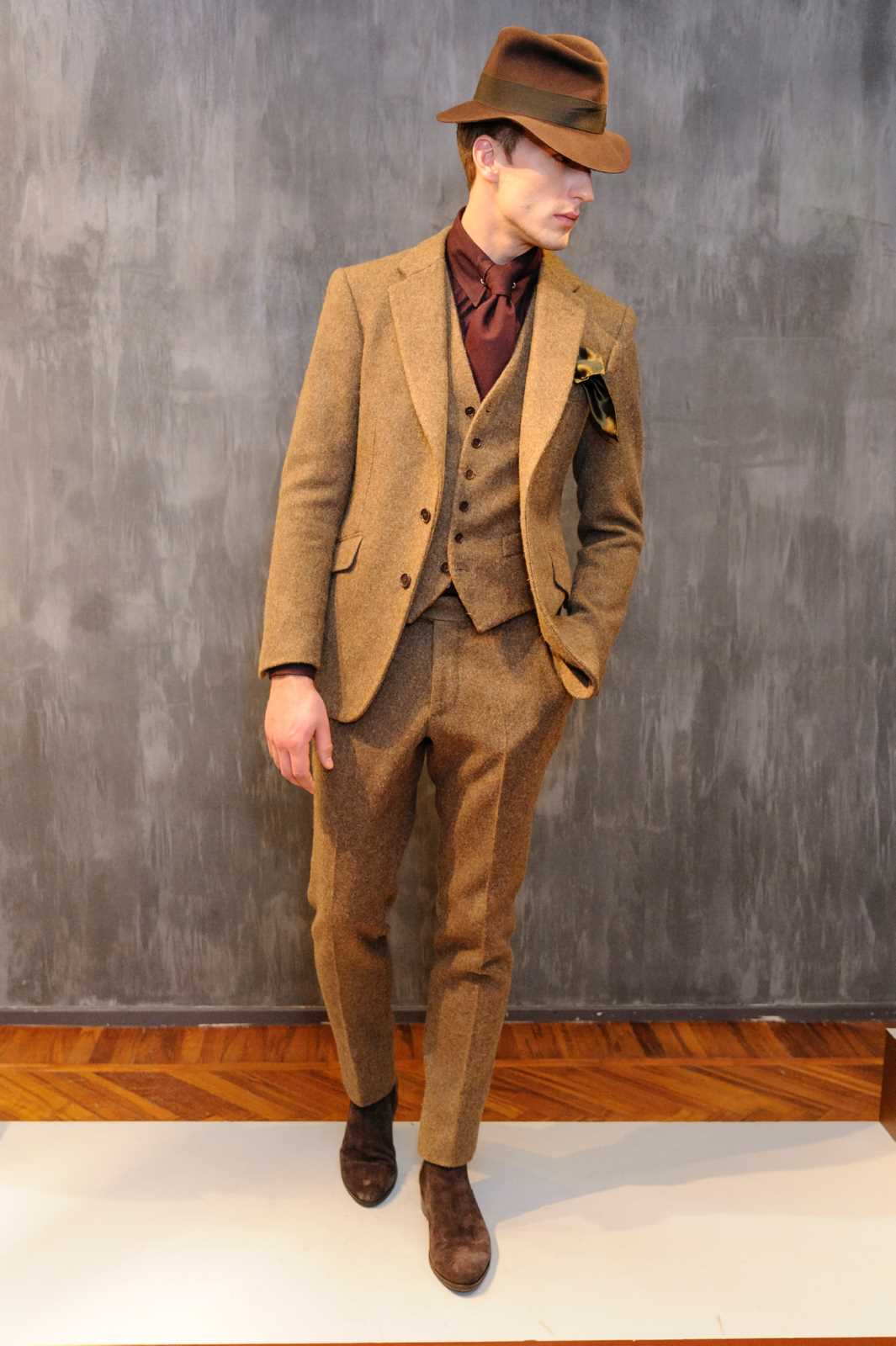 Cuadros De Tiziano Cifonelli Fall-winter 2018-19 Menswear Collection | Male