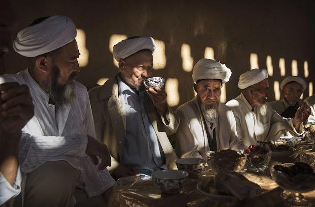 Muslim Uighur Dipaksa Jalani Pengadilan Rekayasa, Dihukum karena Tegakkan Shalat