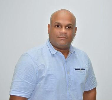 https://www.notasrosas.com/Secretario de Servicios Públicos de Riohacha denuncia accidente vial, que puso en riesgo su integridad personal