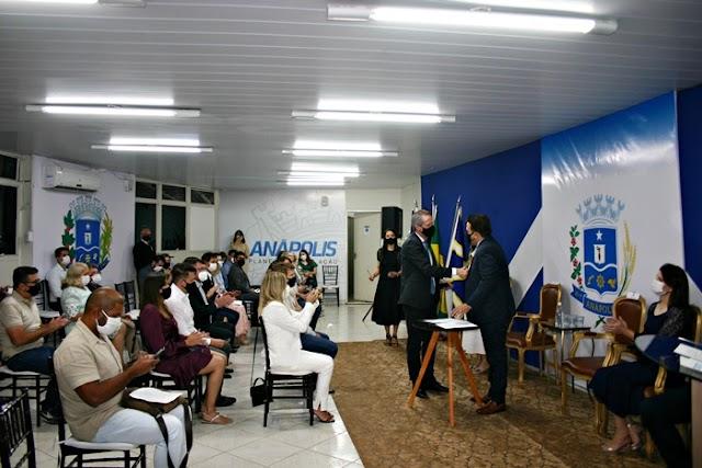 Anápolis: Prefeito empossa secretariado