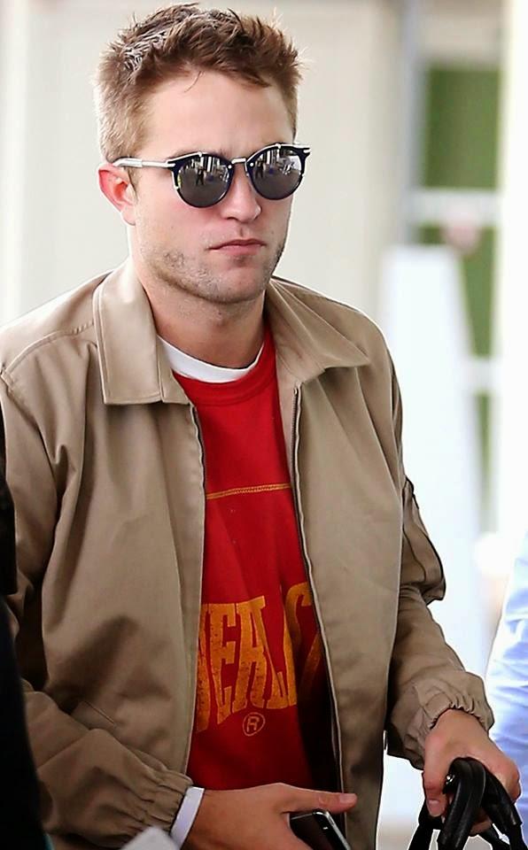 e6fcc8a939 PattinsonWorld: Robert Pattinson lleva gafas de sol Dior Homme !