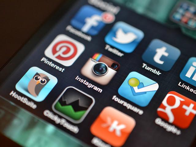 Advantages and Disadvantages of using Social Media