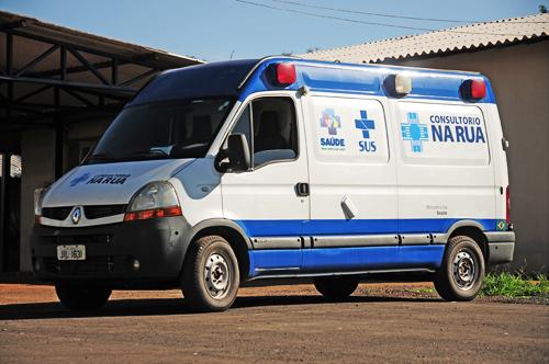 INTERNA 1 2 3 - Consultório na Rua da Região de Saúde Central ganha ambulância adaptada
