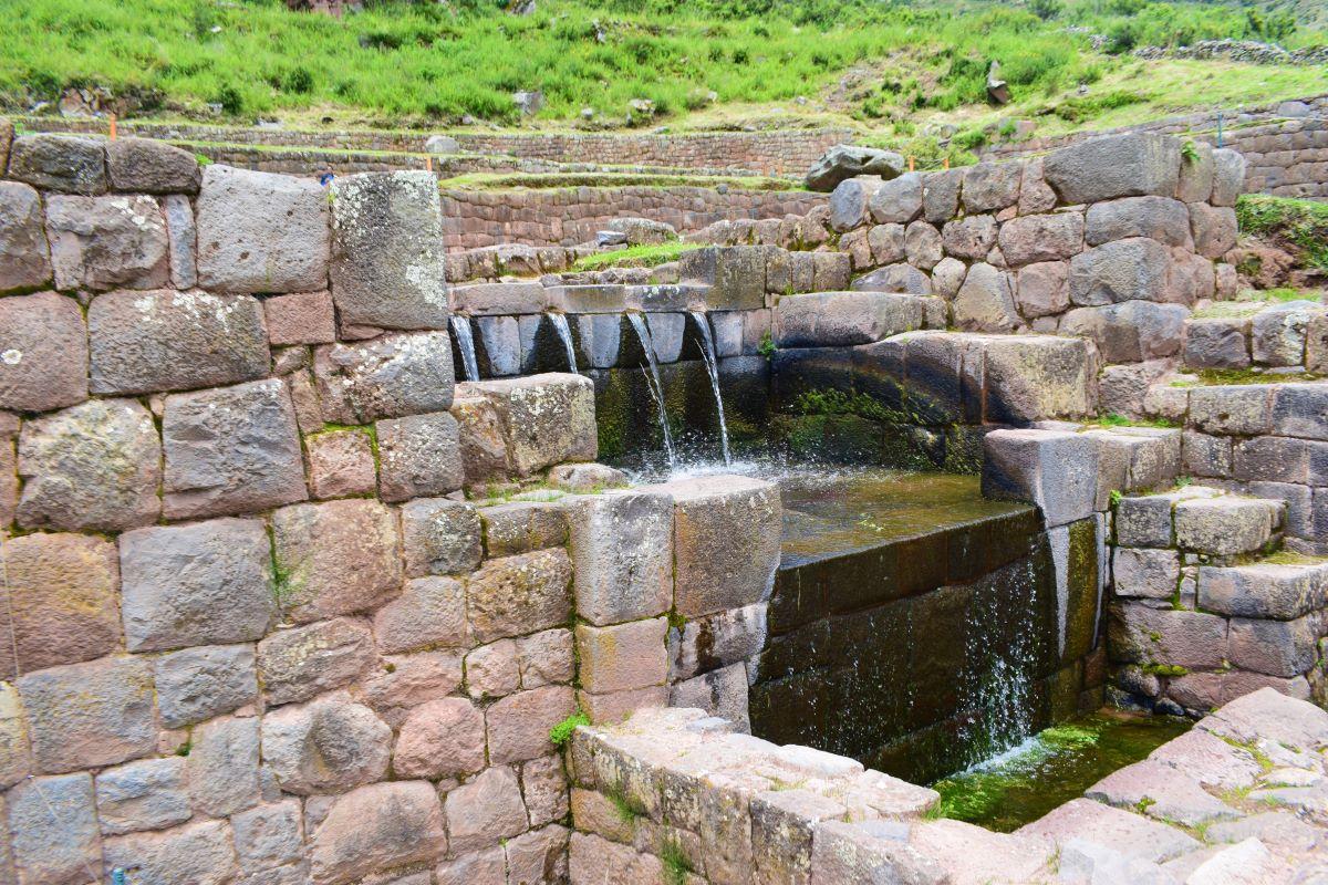 escoamento de água potável