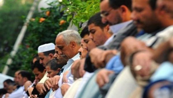 La communauté musulmane du Royaume-Uni célèbre l'Aïd El Fitr dans la convivialité