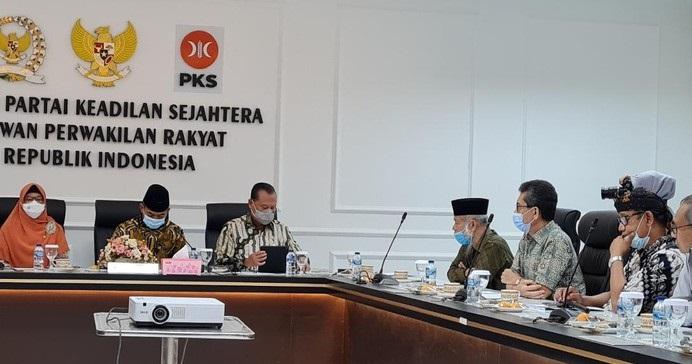 Temui Fraksi PKS, TP3 Minta Usulkan Hak Angket soal Kematian 6 Laskar FPI