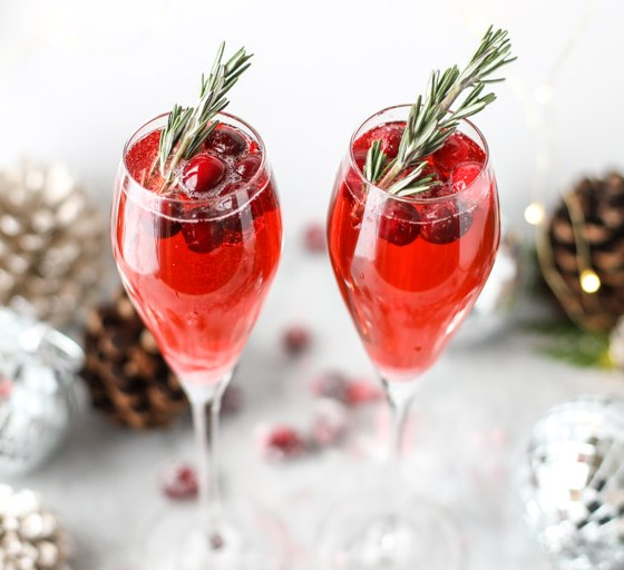 CHRISTMAS MORNING MIMOSAS #drinks #partydrink