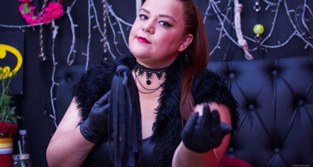 https://www.glamourcams.live/chat/FabianaDark