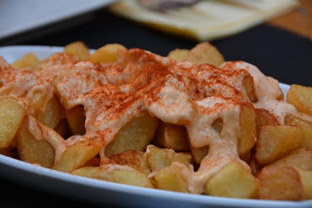 Girona patatas bravas