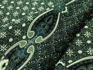 warna-cat-wallpaper-batik.jpg