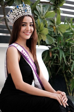 Small town girl crowned Miss India Multinational