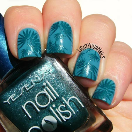 Tropical turquoise nails