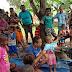 Peduli Masyarakat Papua, Satgas Pamtas Yonif 125/Simbisa Bagikan Pakaian Layak Pakai
