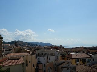 サレルノの街を一望する
