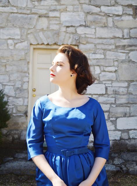 vintage dress, vintage, blue dress, vintage blogger, vintage blogs, vintage bloggers, retro, thrifted dress, vintage looks, vintage styling