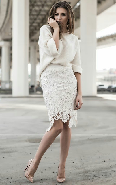 Knit with white laces skirt