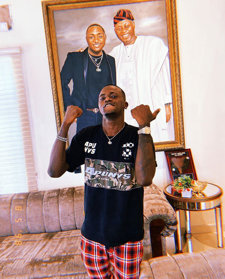 Everything-on-God-Aloma-Says-as-He-Shows-Strength-With-Davido-and-Dad-Frame-Photos