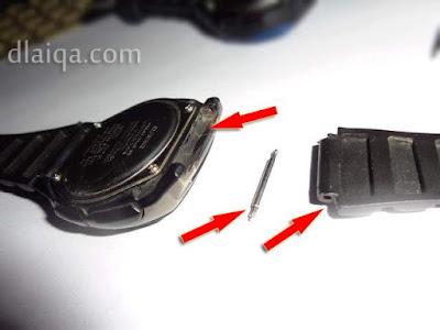 bagian yang rusak pada arloji Casio telah dilepas