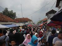 Jualan di Haul Buntet Pesantren Memang Menguntungkan
