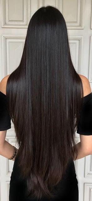 Para ter um cabelo grande é preciso cuidar dele no dia a dia, lavar com o shampoo e condicionador certo, hidratar regulamente o cabelo, pelo menos de quinze me quinze dias. Escovar o cabelo também ajuda muito, até porque a escova estica o cabelo e estimula o crescimento capilar.
