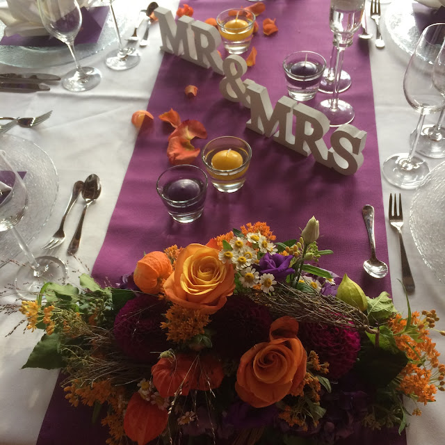 Hochzeitstafel Herbst-Hochzeit in den Bergen, Lila, Orange, Riessersee Hotel Garmisch-Partenkirchen, Bayern, Autumn wedding in Bavaria, Lilac and Orange