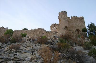 Beseit, Fortins de Cabrera, fortines de Ramón Cabrera , Beceite, vista desde abajo