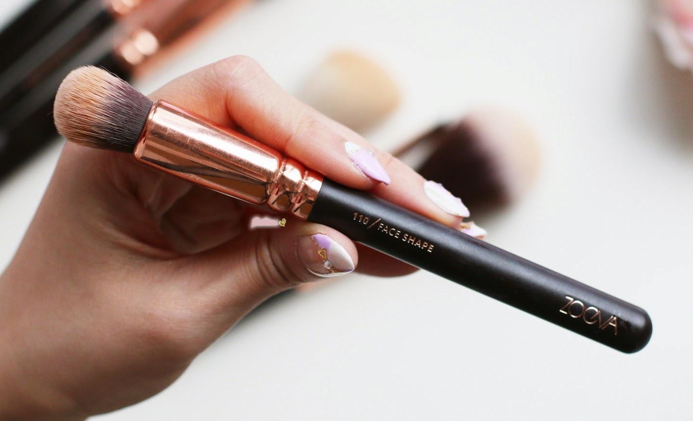 Zoeva Rose Gold 110 Face Shape Brush