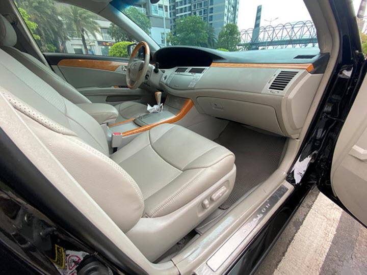 Toyota Avalon 14 năm tuổi giá hơn 600 triệu đồng tại Việt Nam
