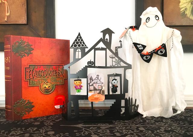 Hallmark Halloween treat presenter haunted house ornaments spooktastic ghost #LoveHallmarkCA