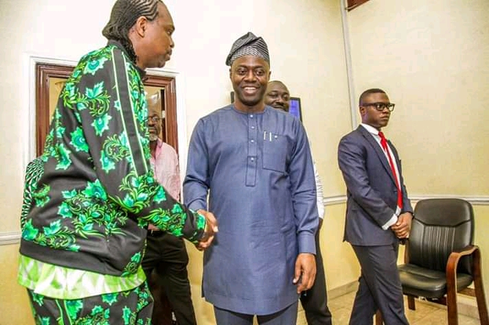 Ex Supper Eagles Player, Kanu Nwankwo Meets With Governor Seyi Makinde, Talk Directions To Take State-owned Football Clubs2