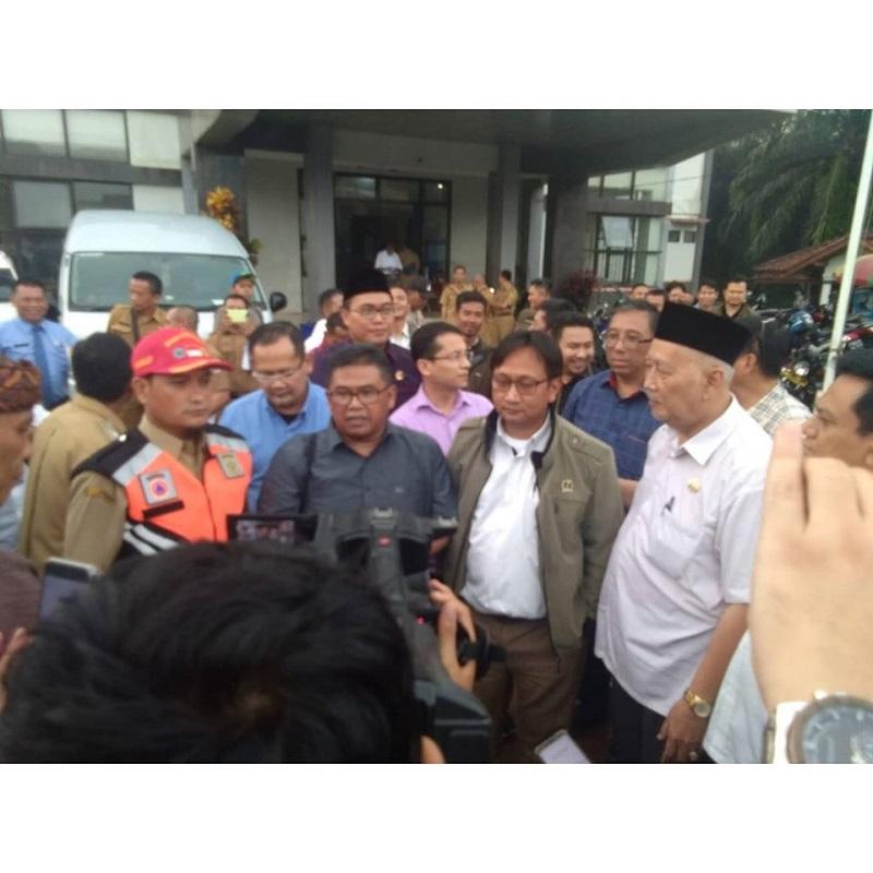 Komisi I DPRD Jabar Adakan Baksos Bagi Korban Banjir Bandung Di Bogor