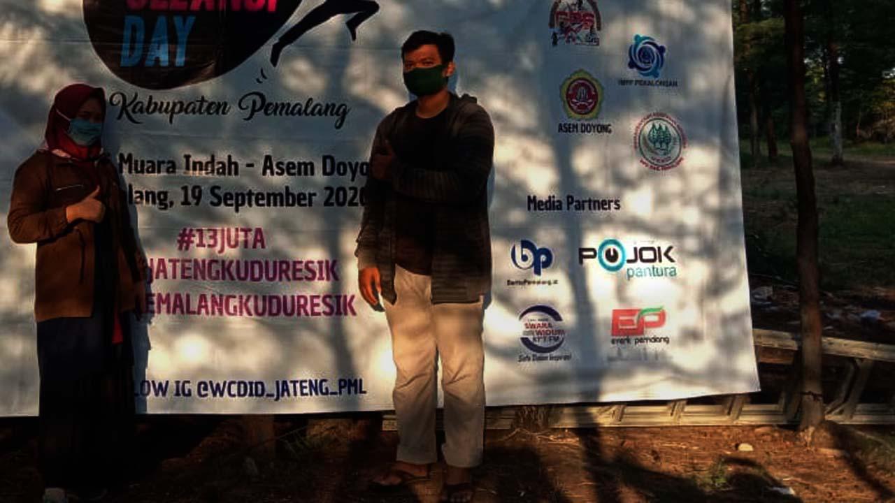 Berbagai Komunitas di Pemalang Ikuti Acara Bersih-bersih Terbesar Dunia di Pantai Muara Indah Asemdoyong