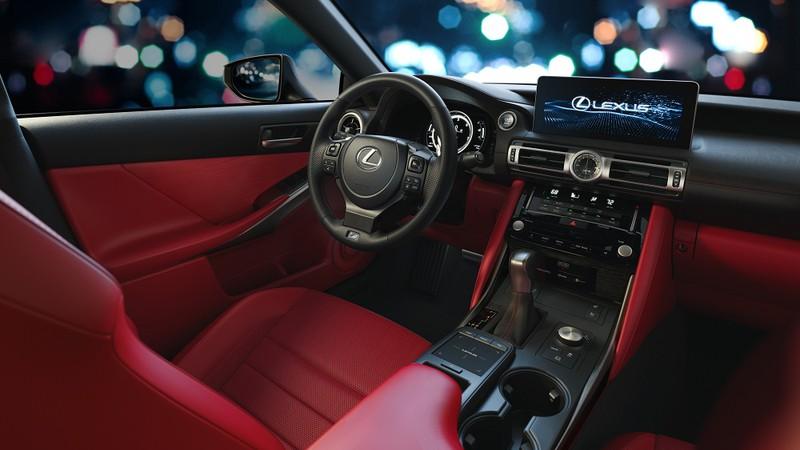 Khám phá những tính năng mới trên Lexus IS 2021