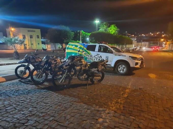 OPERAÇÃO SATURAÇÃO: Em Elesbão Veloso, sete pessoas são autuadas pela PM, por pertubação do sossego público com uso de motos barulhentas, porte de arma branca e entorpecente.