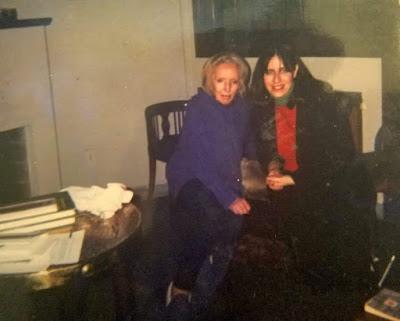 Azula junto a Idea Vilariño en agosto del 2000 en Montevideo Uruguay