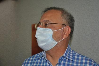 O cardiologista Fábio Vilas-Boas entregou, agora à tarde, uma carta com pedido de exoneração do cargo de secretário estadual de Saúde, que ocupava desde janeiro de 2015