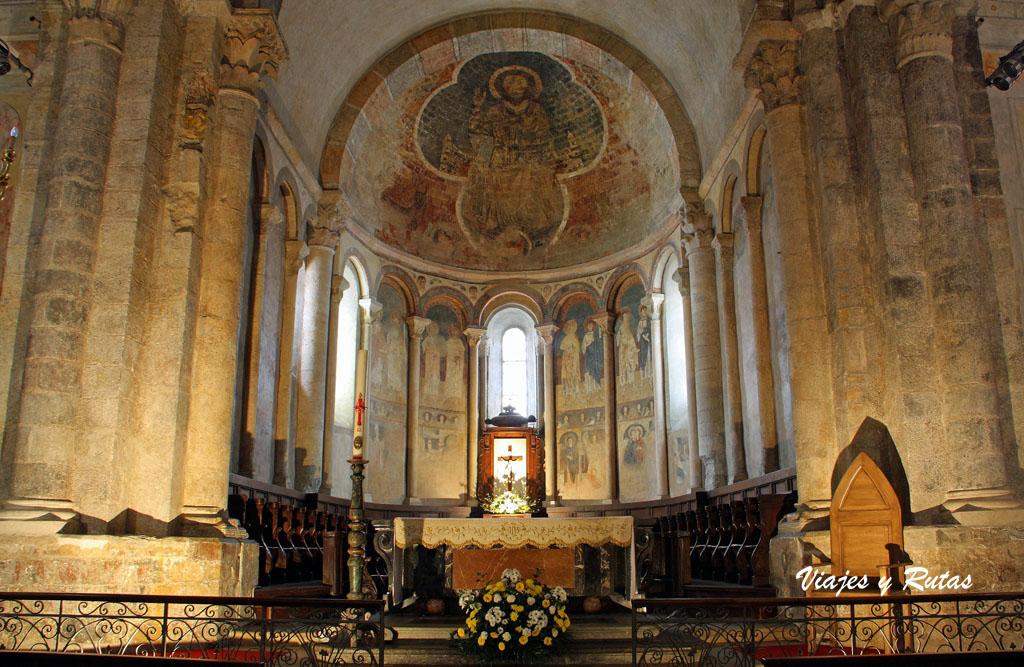 Interior de la iglesia de Saint Lizier