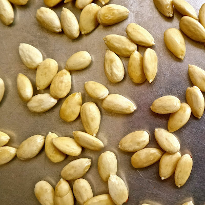 almond simple way blanching skinned raw