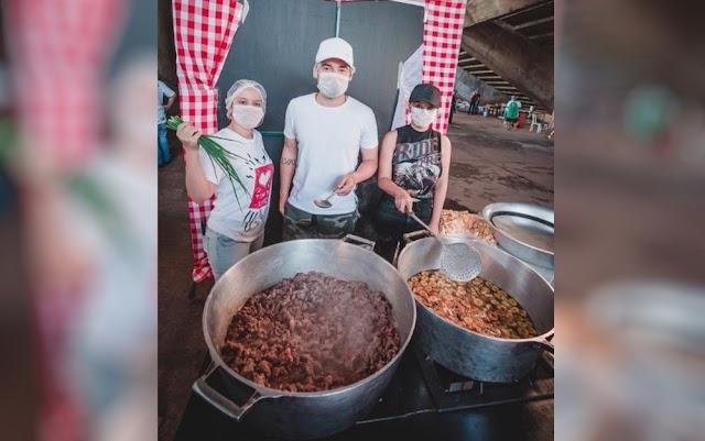 Goiânia: Maiara e Maraísa deixam isolamento para ajudar a fazer 2 mil marmitas para famílias de baixa renda