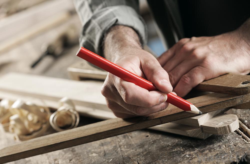 Required furniture carpenter and finishing carpenter for Dubai