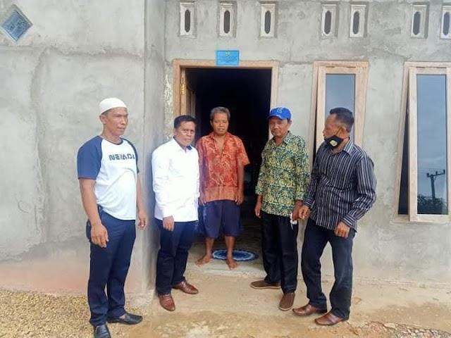 Anggota Komisi V DPR-RI Sofyan Ali, Tinjau Program Bedah Rumah di Muaro Jambi