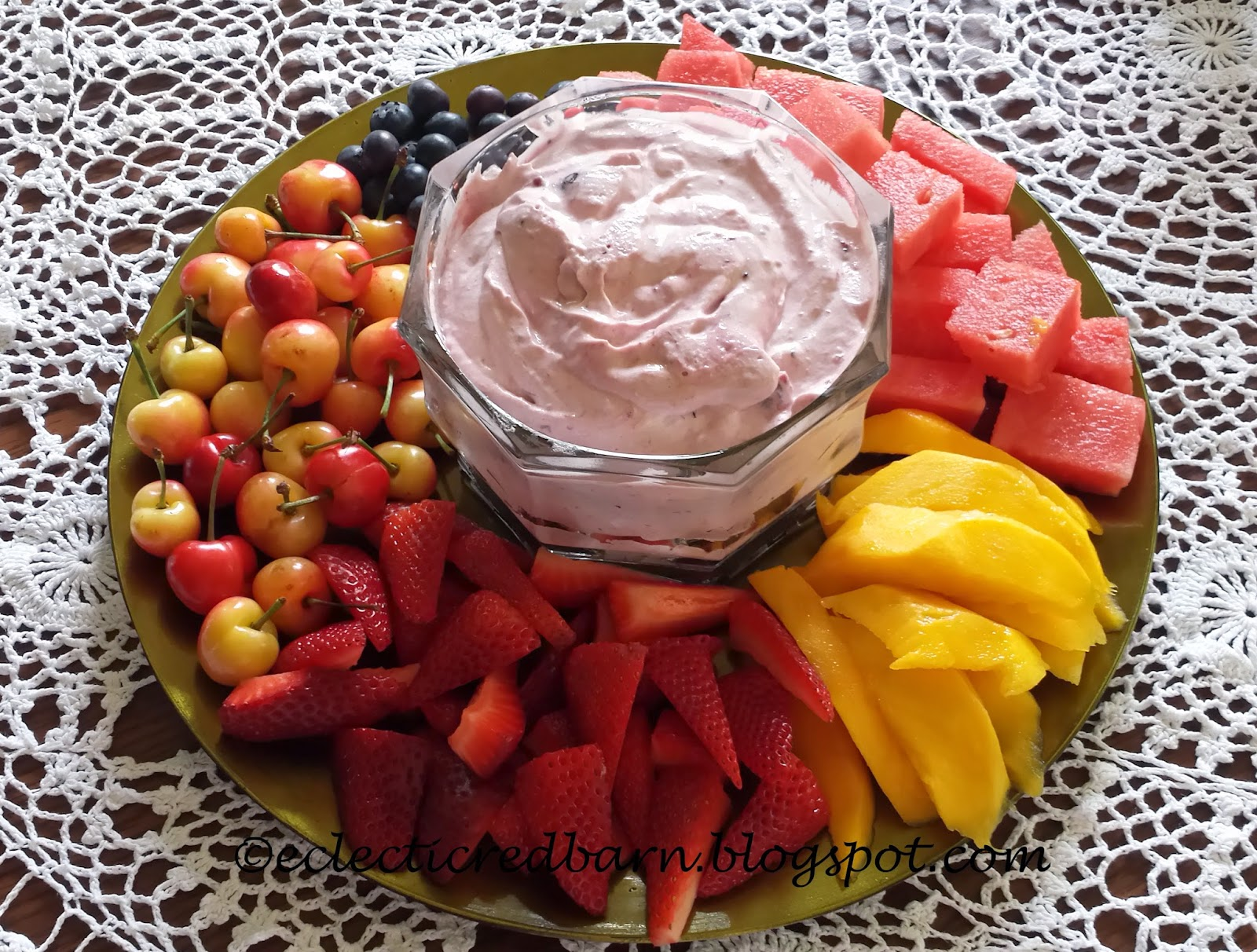 Eclectic Red Barn: Fresh Fruit Dip