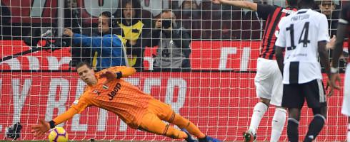 'I know Higuain well' - Szczesny Says After Juve Star Saves Penalty