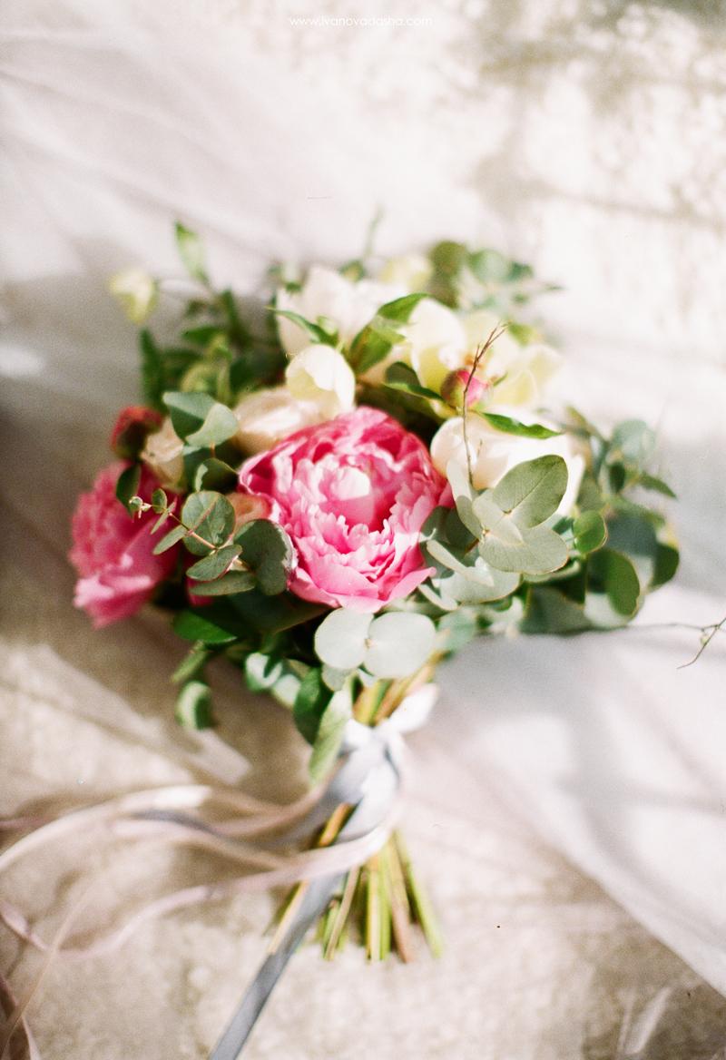 свадебная фотосъемка,свадьба в калуге,фотограф,свадебная фотосъемка в москве,фотограф даша иванова,идеи для свадьбы,образ невесты,фотограф москва,выездная церемония,выездная регистрация,нежные свадебные платья, воздушные свадебные платья,летящие свадебные платья,пышное свадебное платье,подготовка к свадьбе,платье мечты,свадебное платье,свадебный образ,свадебное платье мечты,красивое свадебное платье,роскошное свадебное платье,оригинальное свадебное платье,wedding dress,розовое свадебное платье,серое свадебное платье,свадебное платье с открытой спиной