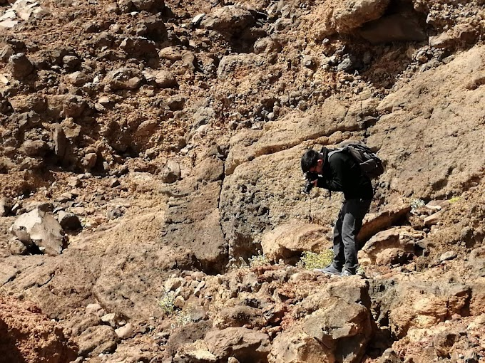 Al Wahbah Crater Part II: The trail down