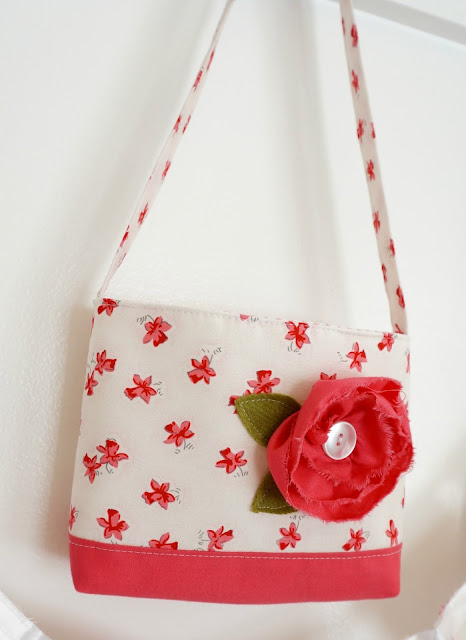 sew up a dimensional flower to add character to a tote