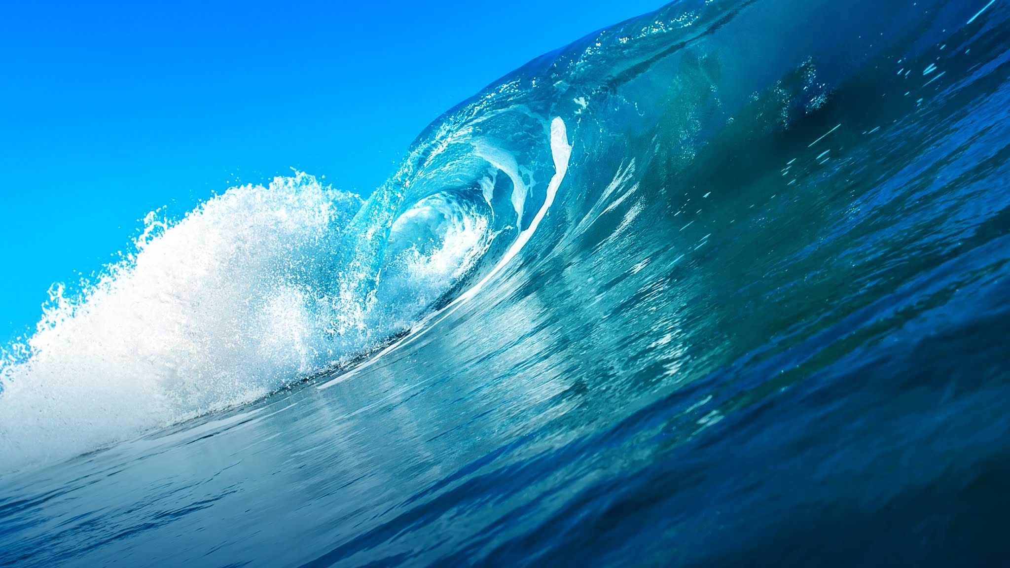 Summer Blue Sky Ocean Waves