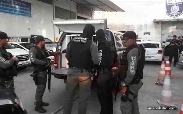 Suspeitos de tráfico de drogas e lavagem de dinheiro são presos durante a Operação Master