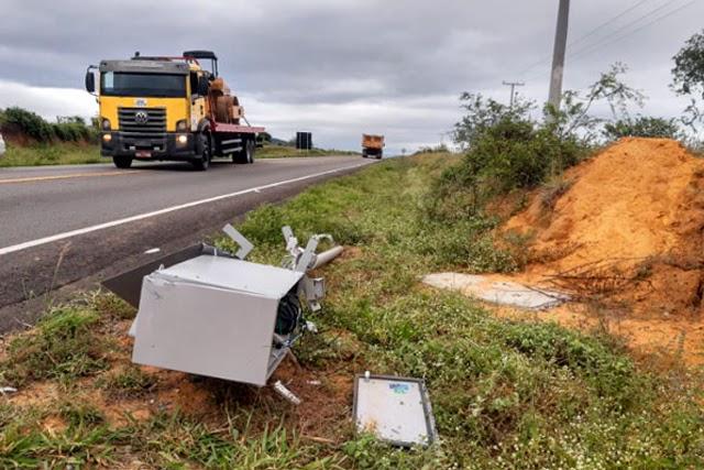 Radar instalado em Tanhaçu na BA-142 foi derrubado e completamente destruído