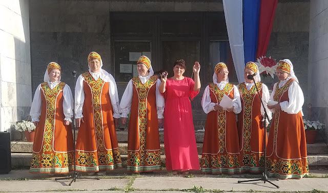 мои 92 дня лета, день России, сельский клуб, хор бабушек